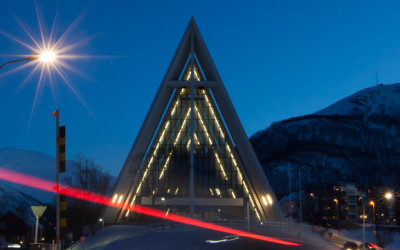 arctische kathedraal, ishavkatedralen, autolichten