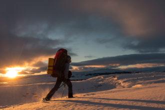 Sneeuwschoen-Foto-Trekking bij noorderlicht